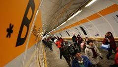 Praha chce potěšit cestující. V metru začala hrát hudba